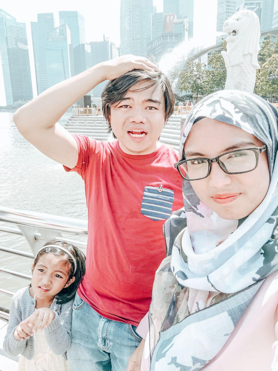 hudaluna singapore