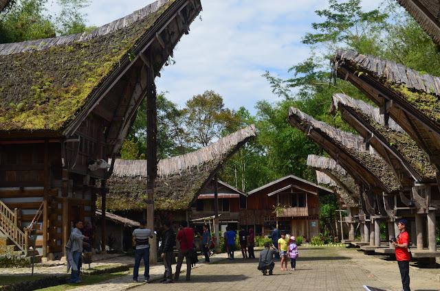 Desa adat Kete Kesu Tana Toraja Sulsel +Fotojelajahsuwanto