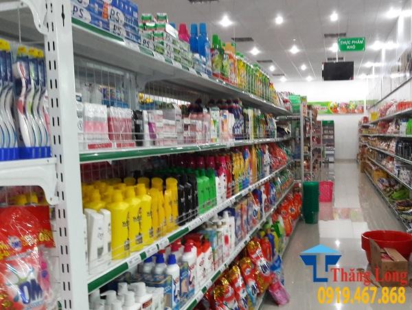 Hoàn thiện kệ để hàng cho nhiều siêu thị