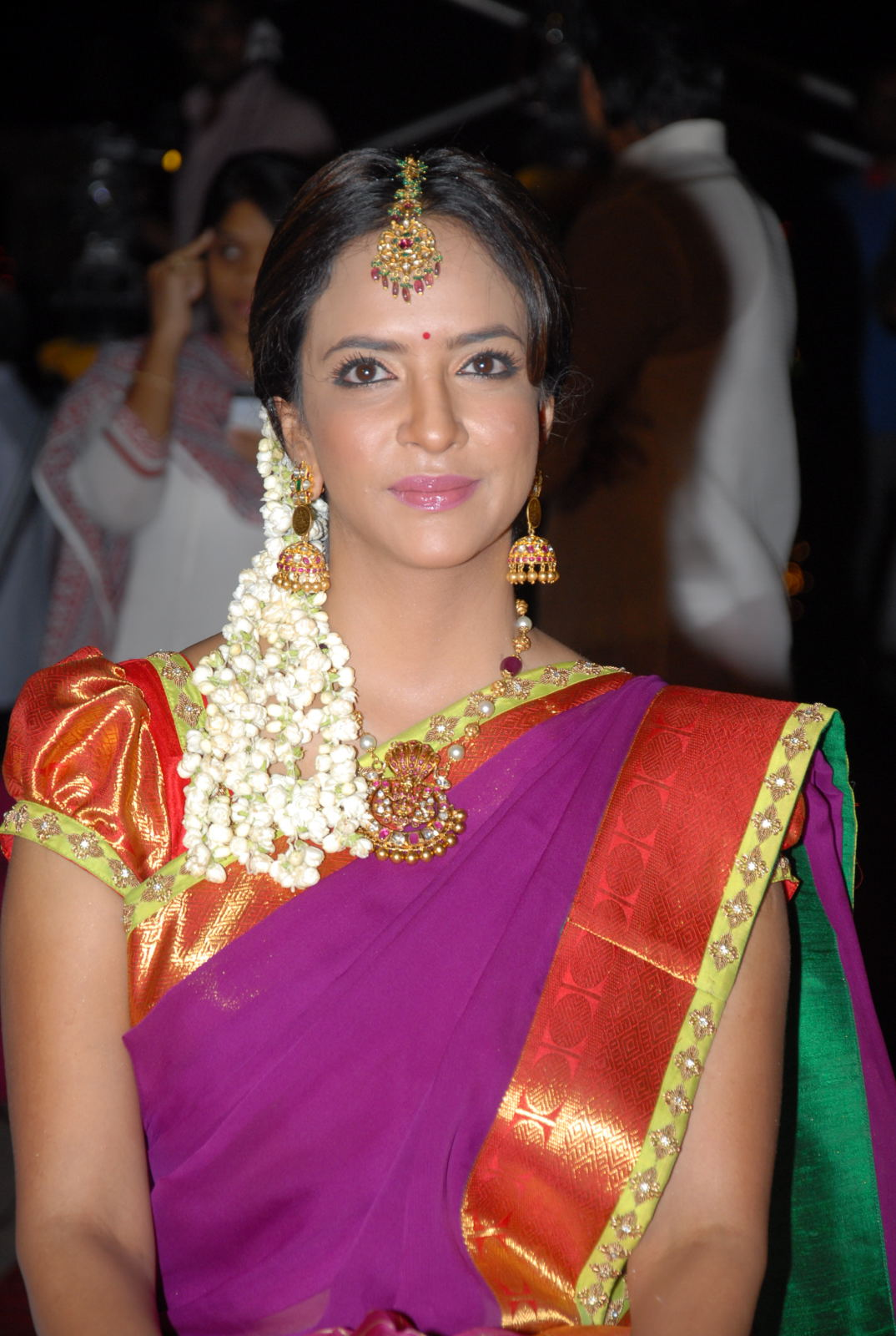 hot images of actress in half saree