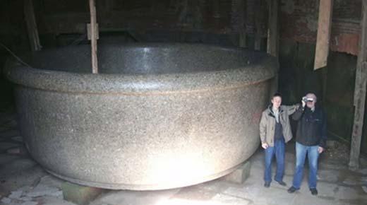 ¿Quién tomó un baño en esta bañera gigante?