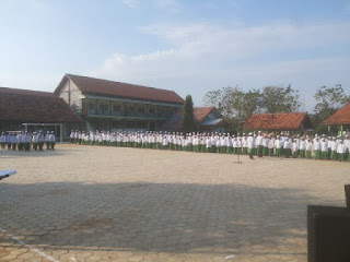 Upacara Bendera Awali Lomba Agustusan di MTLS Panyeppen