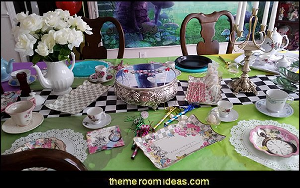 Alice in Wonderland party decorating ideas - Alice in Wonderland theme party decorations - Alice in Wonderland costumes -  Alice in Wonderlnd wall decals - Alice in Wonderland wall murals -  tea party theme Alice in Wonderland Tea Party