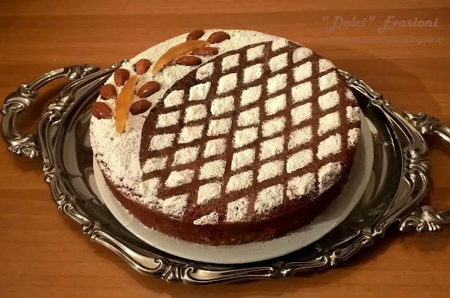 Torta Caprese Bianca alle Mandorle, Cioccolato bianco e Limone di Sal De Riso
