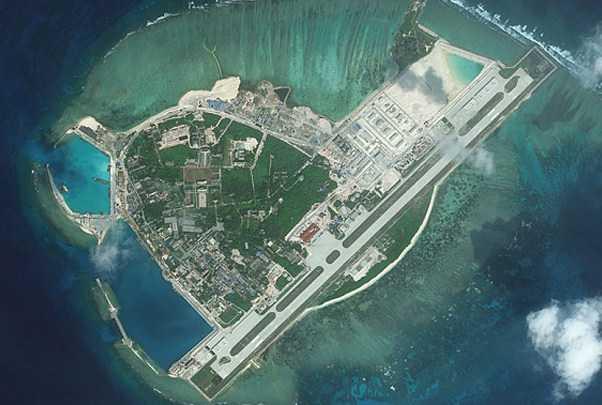 Kapal AS Berlayar Dekat Pulau Buatan China