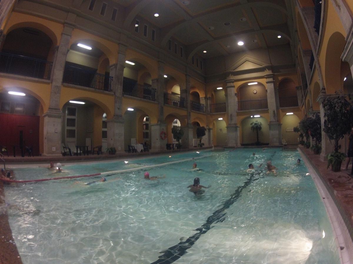 Balneario de rudas en budapest mi ba l de blogs - Banos budapest ...