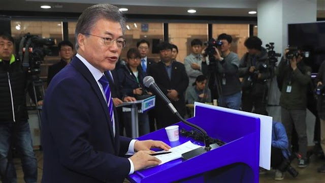 South Korean liberal politician Moon Jae-in hopeful vows justice in post-Park Geun-hye era