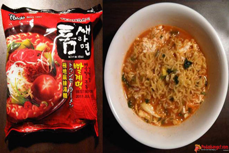 lagi lagi korea selatan memiliki sajian mie instan dengan rasa pedas menyengat mie ini tergolong sebagai bumbu terpedas