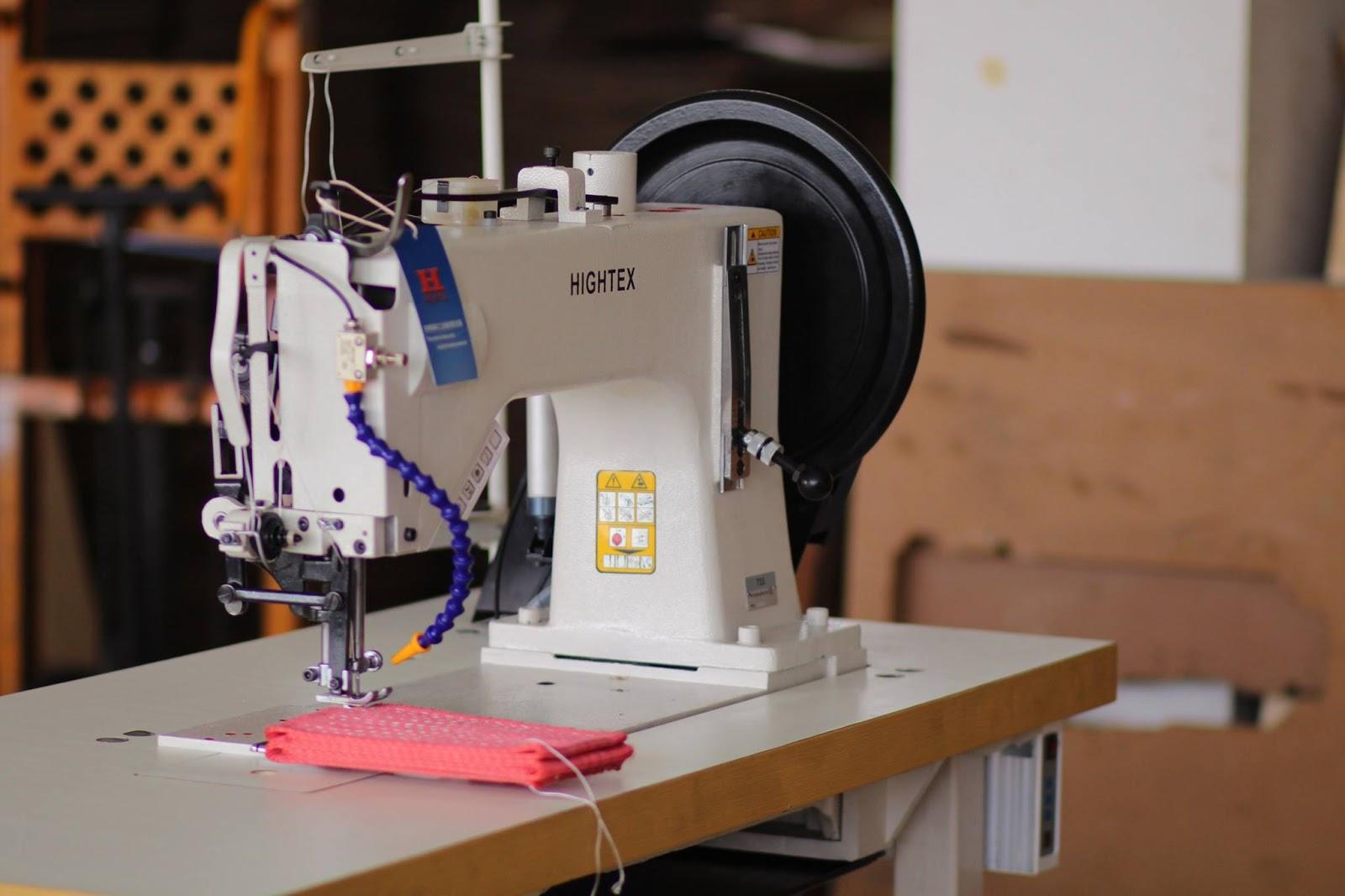 Macchina per cucire per assembla sistemi di sollevamento e for Macchina da cucire economica