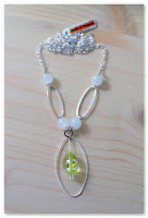 collier sur-mesure argenté et vert clair