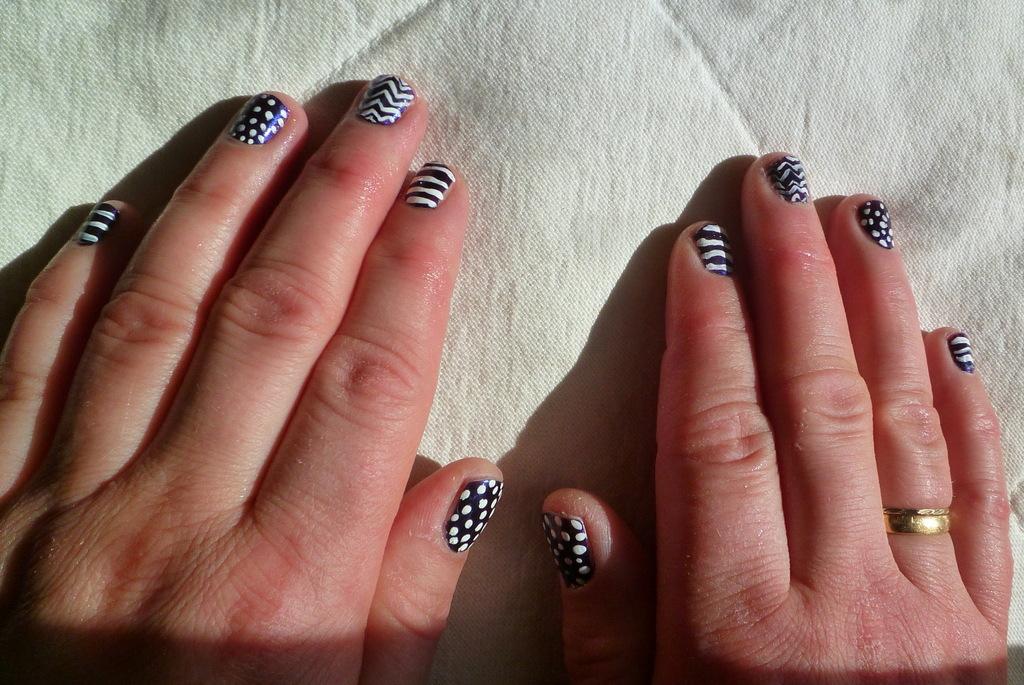 teodeco patterned nails gemusterte n gel. Black Bedroom Furniture Sets. Home Design Ideas