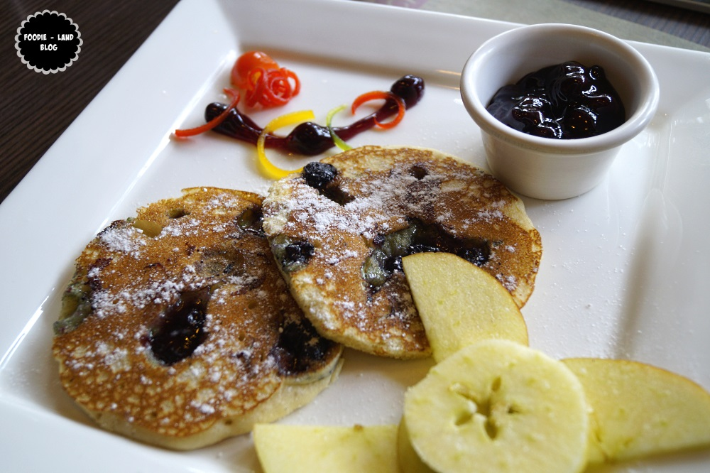 Blueberry Pancakes @ Woodstok   Indiranagar   Bangalore
