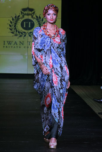 Batik Kaftan Collection By Iwan Tirta Glowlicious Me A