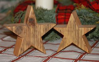 Weihnachtssterne aus einer Gerüstbohle