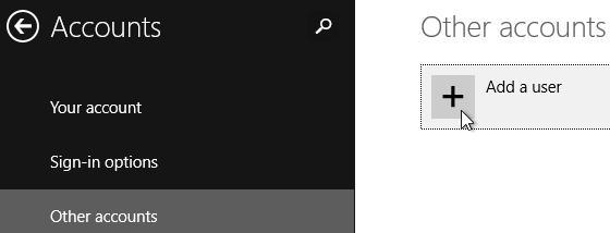 Windows 8.1, Panneau de configuration, Comptes d'utilisateurs. Cliquez sur 'Ajouter un nouvel utilisateur dans les paramètres PC'.