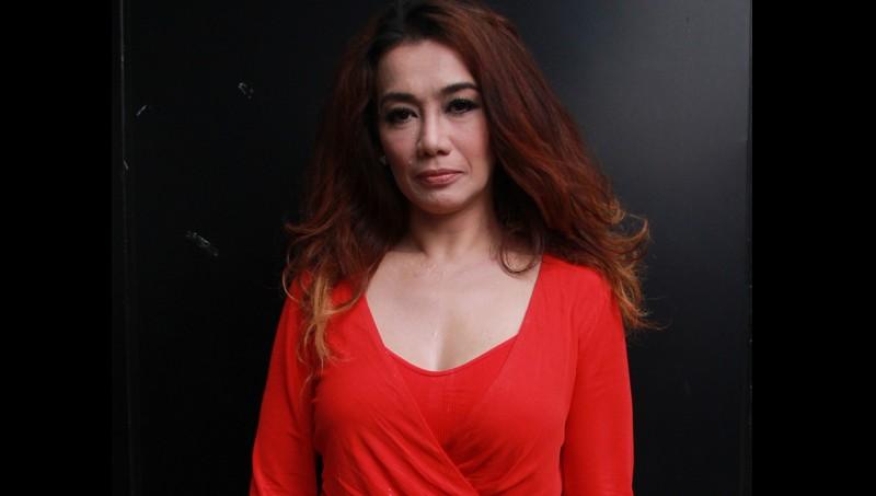 Reza Artamevia disebut berhubungan sejenis di padepokan Aa Gatot