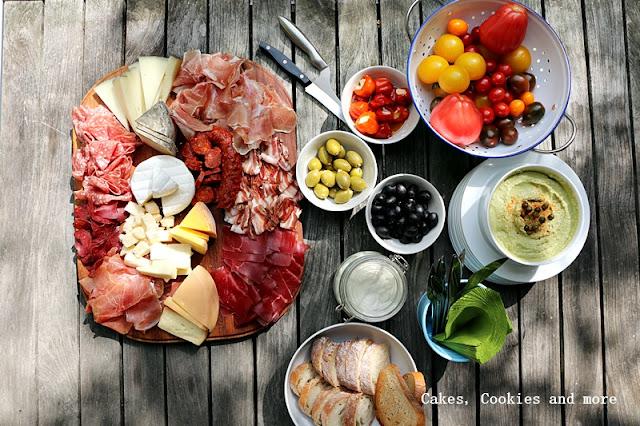 Meat and Cheese Board - Aufschnitt und Käseplatte