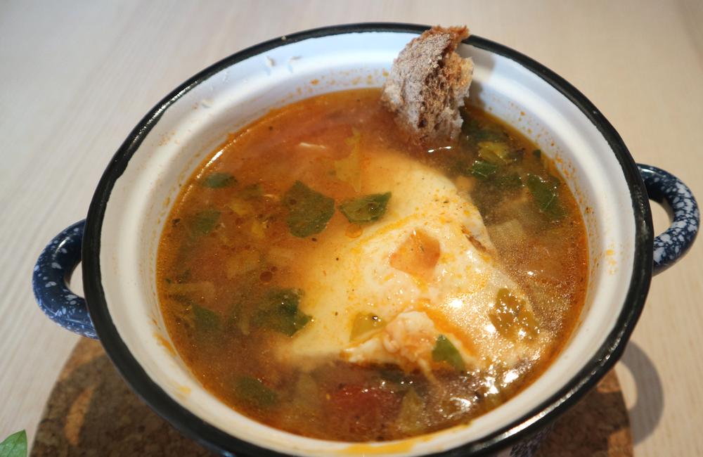 Sopa acquacotta de aipo e tomate com ovo + a sopa ideal + aguada + receita simples e rápida + blogue português de casal + Ela e Ele + Ele e Ela + Pedro e Telma