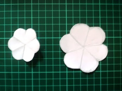 Mal bunga dari kertas Hvs