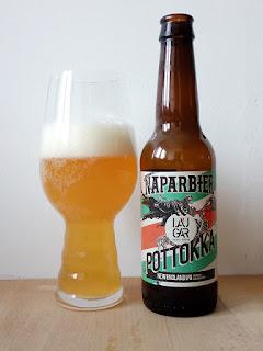 Naparbier Laugar Pottokka New England IPA La Tienda de la cerveza dorado y en botella