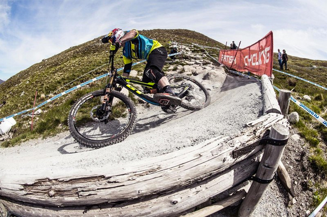 2016 Fort William UCI World Cup Downhill: Practice Highlights