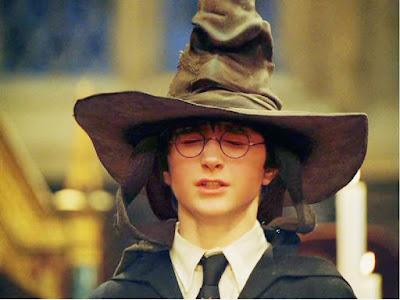 Harry Potter e a Pedra Filosofal  Chapeu Seletor