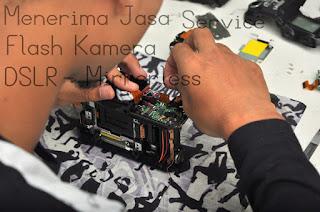 Jasa Service Flash Kamera DSLR - Mirrorless