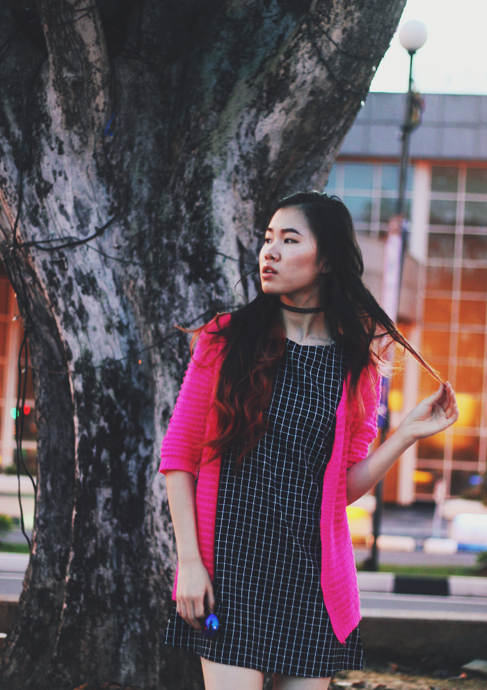 Brunei Fashion Blogger May Cho of THEMAYDEN in a grid shift dress and pink cardigan