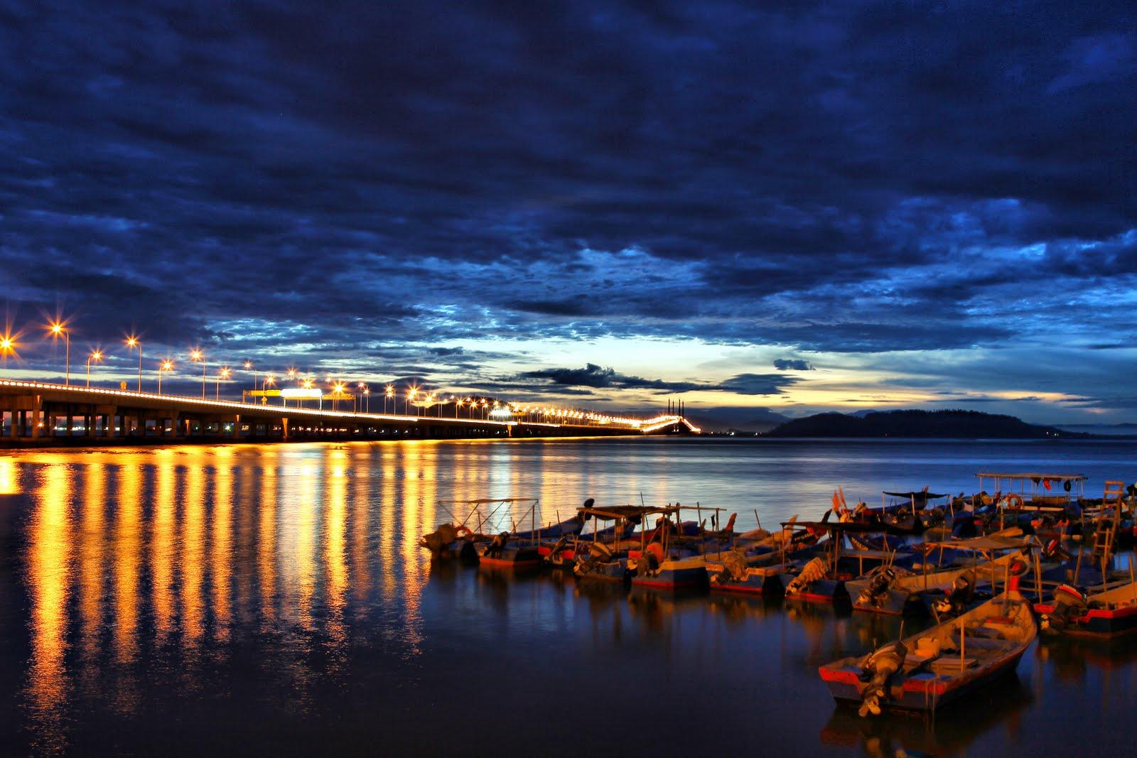 Street Photography  Desmond Chin Soon Peng Sunrise
