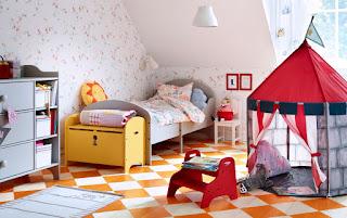 Otroška soba - pohištvo.