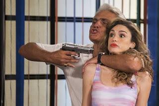 Manuzita (Isabelle Drummond) é sequestrada em 'Verão 90'