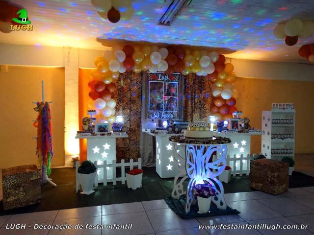 Decoração tema da Oncinha para festa feminina - Mesa de aniversário provençal simples