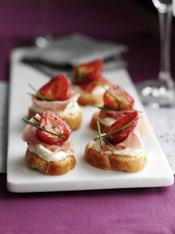 Strawberry And Parma Ham Crostinis: Fun Party Snacks