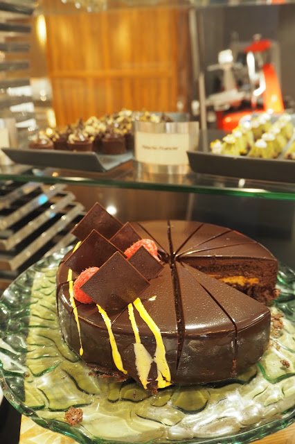 Chocolate Banana Cake Review Element Restaurant Hotel Buffet Singapore