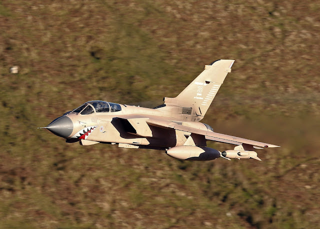 VIDEO - RARE RAF PINK TORNADO IN THE MACH LOOP