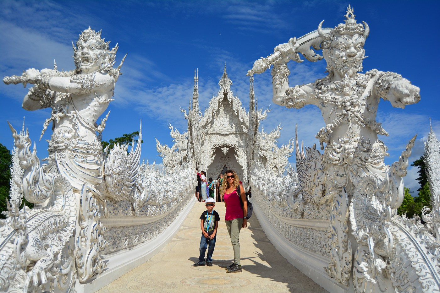 Wat Rong Khun passerelle