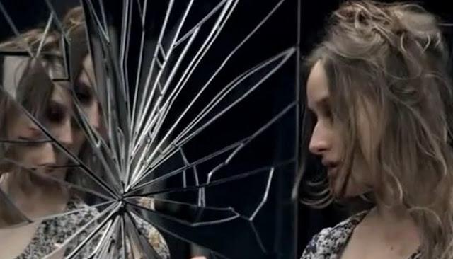 Benarkah Memecahkan Cermin Dapat Membawa Kesialan Pada Pelakunya?