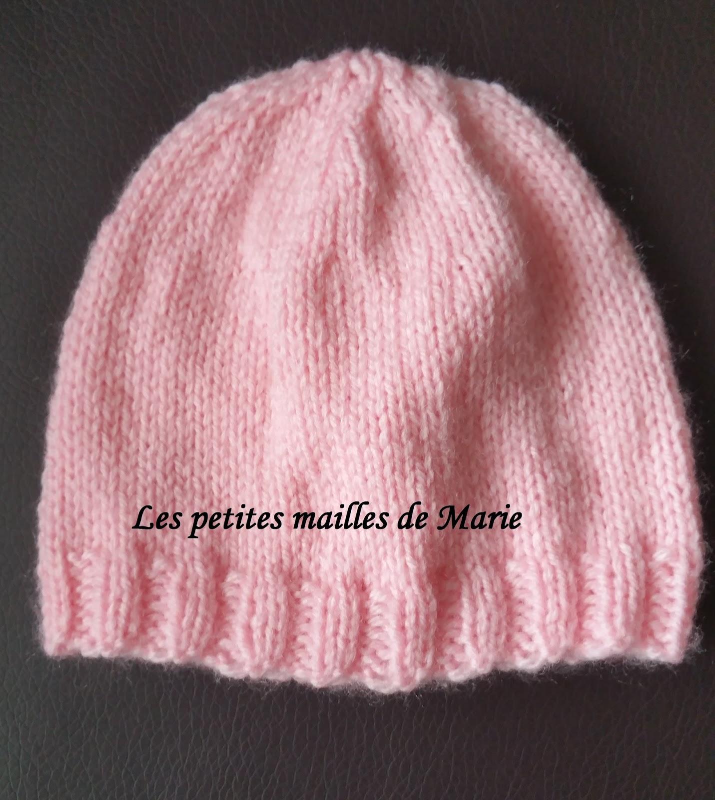 57d5400359e4 Aujourd hui je vais vous montrer comment tricoter un bonnet taille naissance,  facile à réaliser même pour les débutantes
