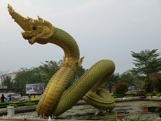 A naga in Thamassat University