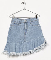 https://www.bershka.com/rs/woman/sale/shorts-%26-skirts/denim-skirt-with-ruffled-hem-c1010194045p101069539.html?colorId=428