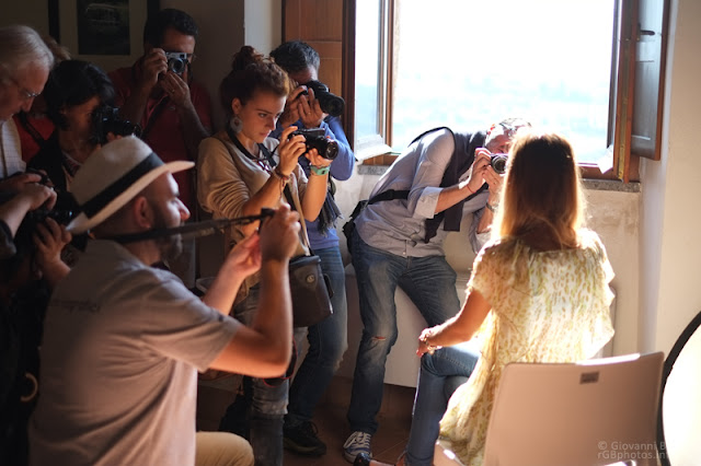 Fotografi attorno ad una modella
