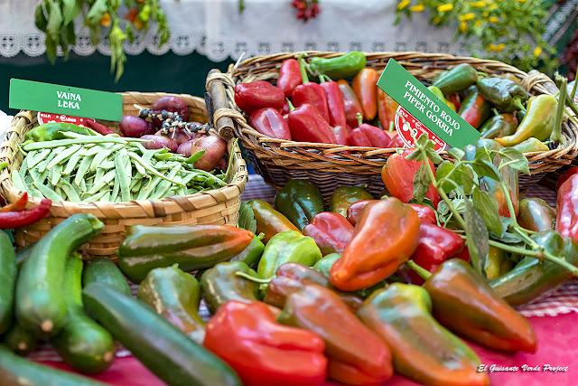 Verduras en el Mercado de Santo Tomás, Navidad en Bilbao por El Guisante Verde Project