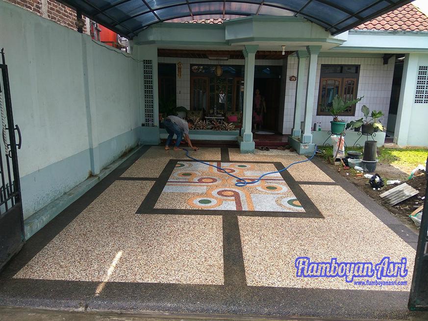Lantai Carport Dengan Batu Alam Koral Sikat (Ampyang) - TUKANG TAMAN on