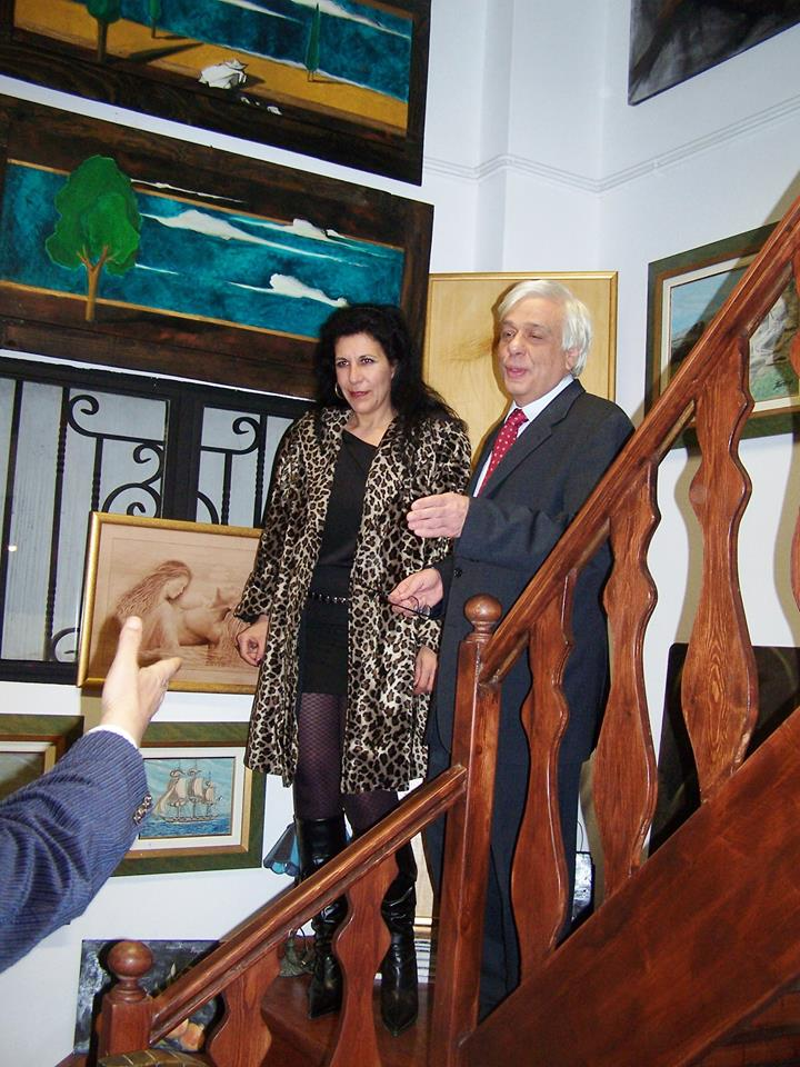 Sophia  Mitraki  with  the  president  of hellenic  republic  Prokopis  Pavlopoulos