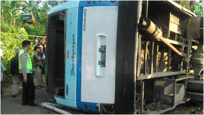 Kecelakaan beruntun yang melibatkan bus Parahyangan di Cimahi