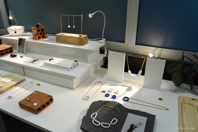 mesa de joyas de pedrusco en el designroom x resa Bilbao 2016