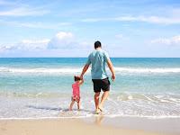 Kamu Tidak Pernah Tau, 4 Fakta Perjuangan Seorang Ayah Demi Anaknya