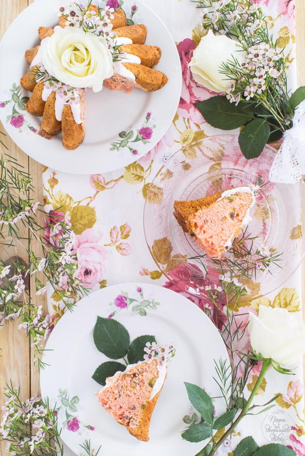 bundt-cake-rosas-pistachos-bizcocho-bundtbakers