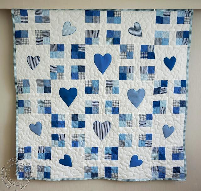 blue patchwork quilt, baby quilt