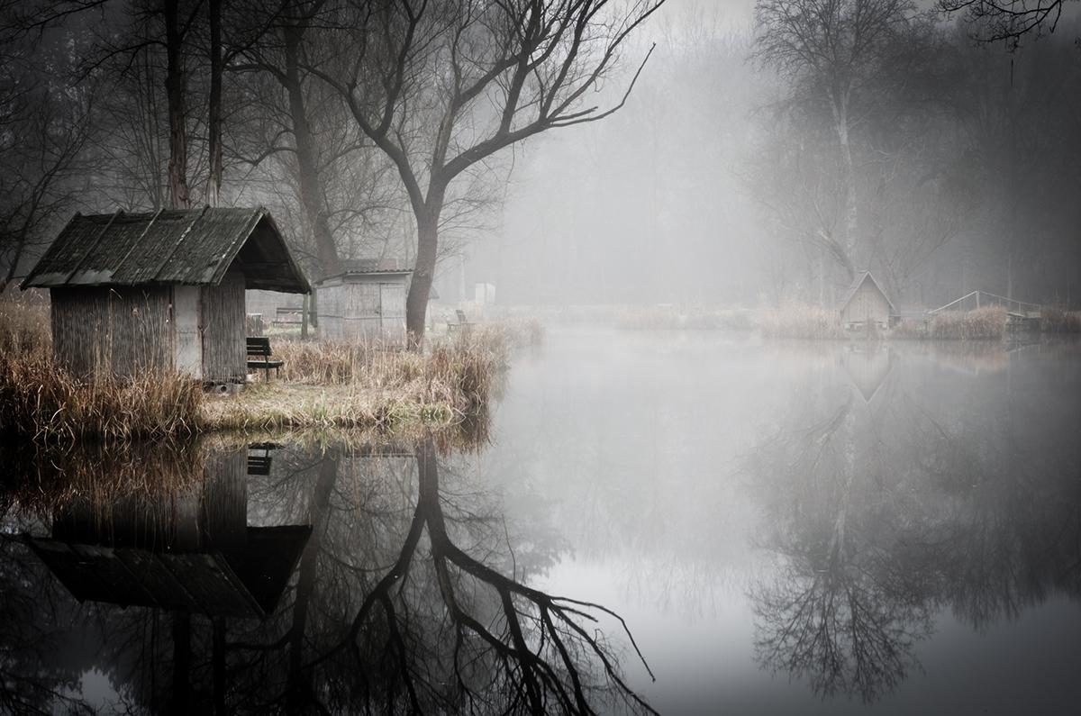 08-Viktor Egyed-Photographs-of-the-Enchanted-Fishing-Village-www-designstack-co